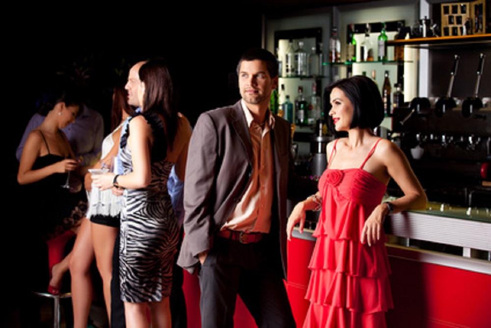 Девушками бар для знакомства с